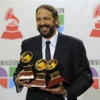 1352984057-DESUPERESTRELLA-Juan-Luis-Guerra-Grammy