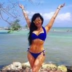 maribel-guardia-se-avergenza-de-sus-fotos-en-bikini