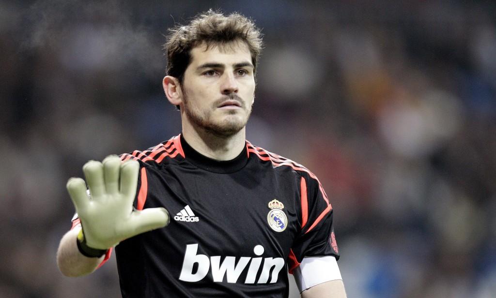 Del Bar  A Y 4 Del Real Madrid En El Once Del A  O De La UEFA