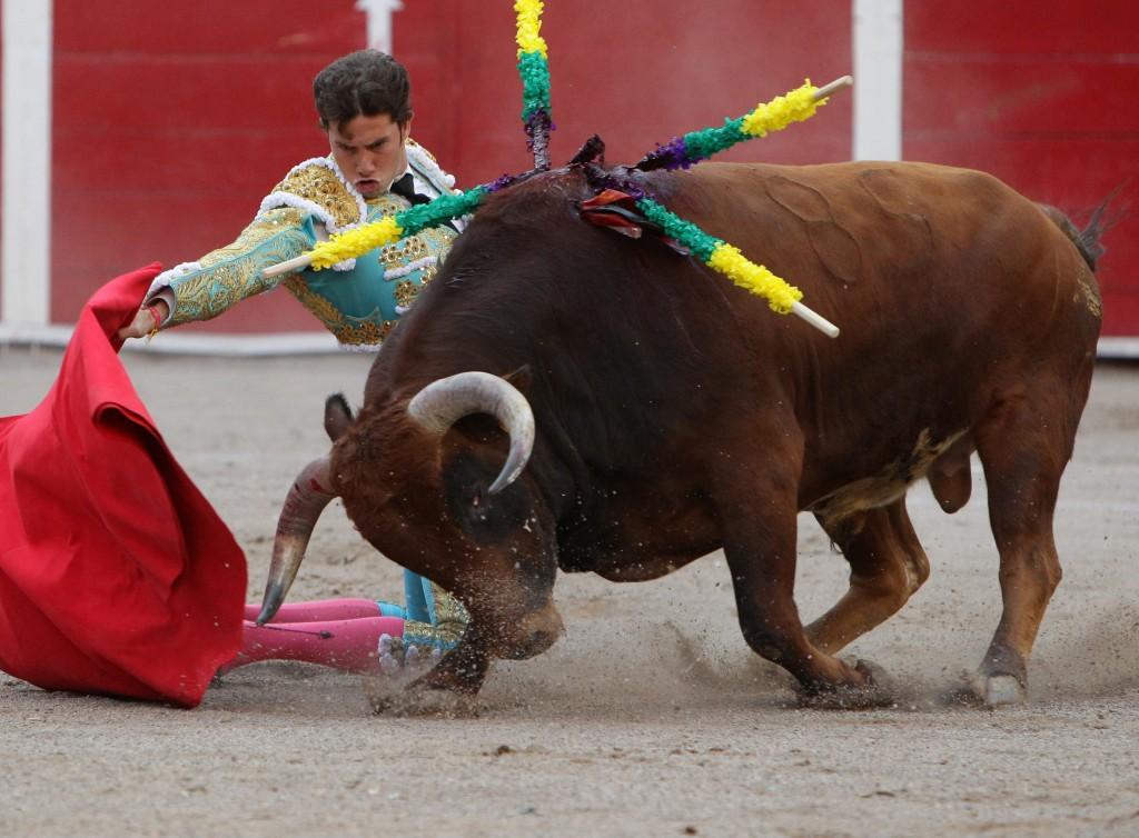 Los toreros por arriba de la mala corrida de Montecristo