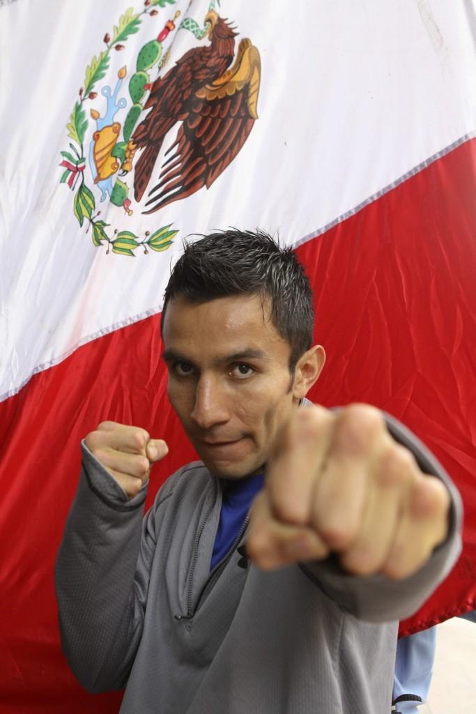 El mexicano Hernández vence al nicaragüense Cardoza y retiene ...