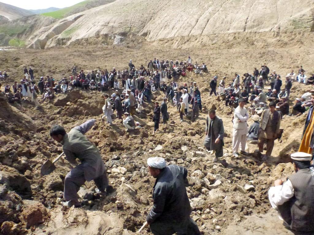 Vecinos de la localidad afgana de Argu, en la provincia de Badakhshan