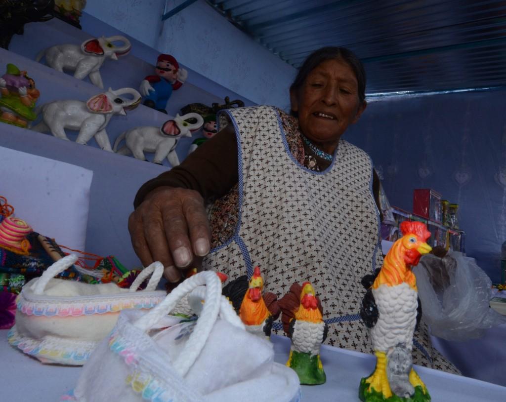 ... mujeres con empleo en Perú trabaja en sector informal, alerta la ONU