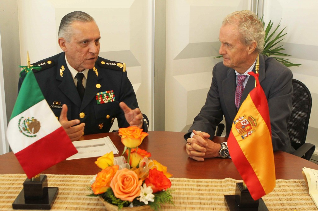 Ad samples moren s destaca el inter s por la for Ministros de espana