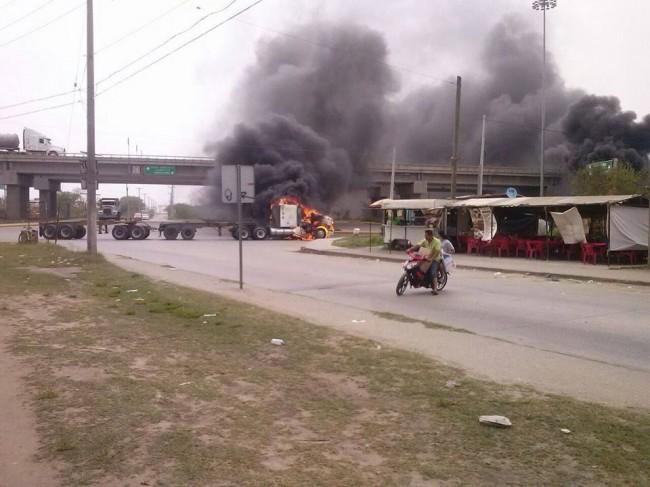 Reportan bloqueos y disparos en el noreste de México tras detención de capo