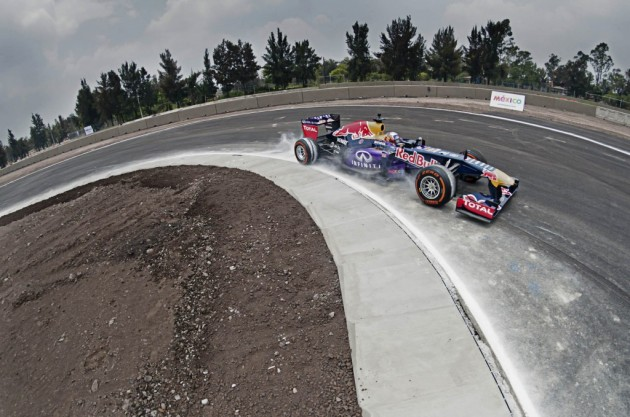 Carlos Sainz probó la pista del circuito mexicano con un vehículo de Red Bull