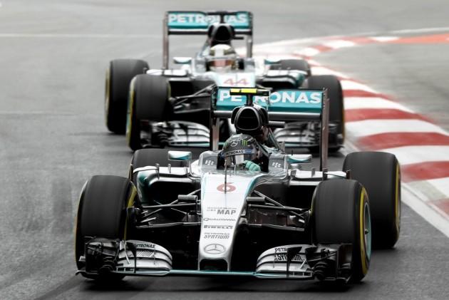 Rosberg doblega a Hamilton y logra la 'pole' en México