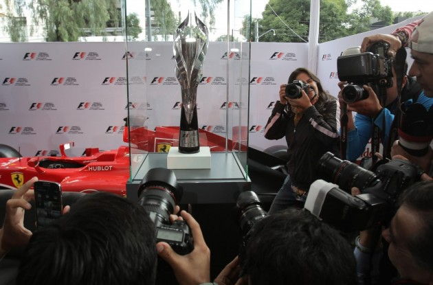 Unas 800 personas toman parte en ensayo del Gran Premio de México