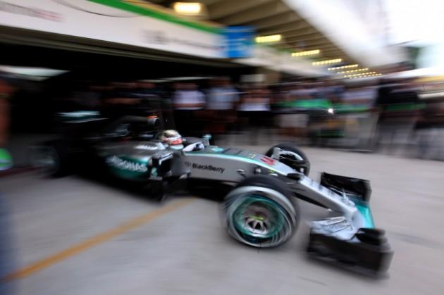 El campeón Hamilton es el más veloz en el tercer entrenamiento libre en Interlagos
