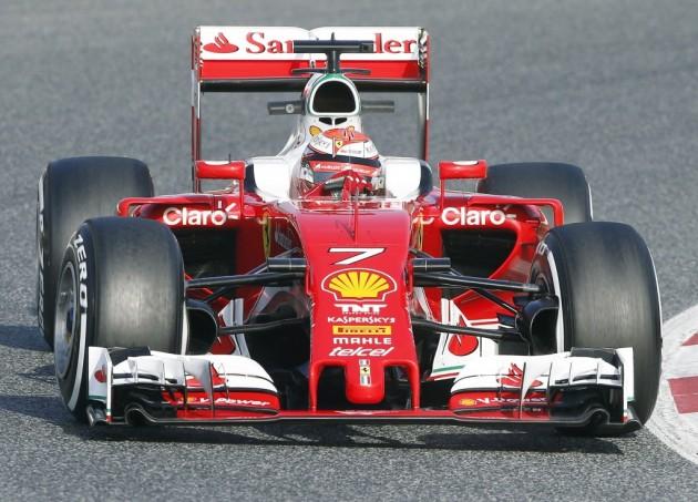 Los fantasmas vuelven a McLaren, tras una jornada improductiva de Alonso