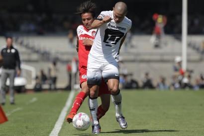 Paraguayo Verón asegura que Pumas piensa en la liga y luego la Libertadores