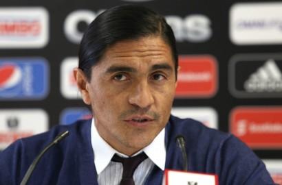 Francisco Palencia asume dirección técnica de los Pumas mexicanos