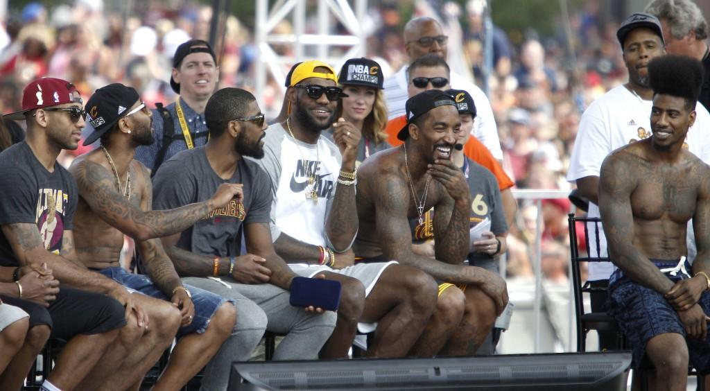 Más de un millón de personas participan en el desfile de los Cavaliers