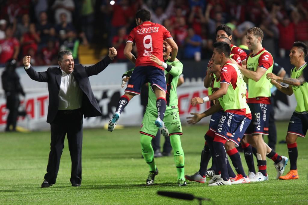 El uruguayo Luna levanta la mano para jugar con el Veracruz donde lo pongan