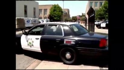 Roban tercera arma de policía en Salinas