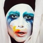 1376405122-DESUPERESTRELLA-APPLAUSE-cover-lady-gaga-35167904-1024-768