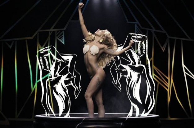 1376930133-DESUPERESTRELLA-APPLAUSE-Video