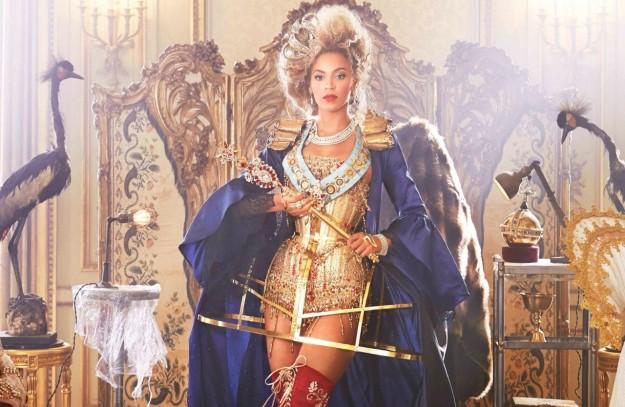 1383935325-DESUPERESTRELLA-Beyonce-Mrs-Carter-beyonce-33597132-1280-960