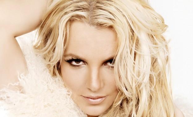 1388003608-DESUPERESTRELLA-Britney-Spears-Wallpapers-15