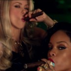 1391547520-DESUPERESTRELLA-Shakira-Can-t-Remember-to-Forget-You-ft-Rihanna-103-