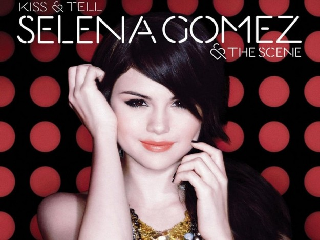 1396984404-DESUPERESTRELLA-Selena-Gomez-y-The-Scene-Kiss-y-Tell-14-Canciones-Frontal