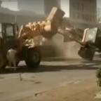se-pelean-con-excavadoras-por-un-proyecto-de-construccin