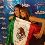 mancillan-fans-de-anah-a-bandera-mexicana