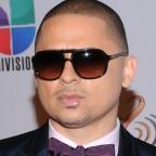 los-gruperos-pueden-aprender-de-los-reggaetoneros-segn-larry-hernndez