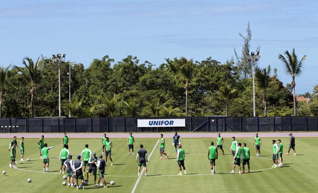 México jugará con uniformes negro y blanco a la Copa Oro y la Copa América 94d855a8788bc